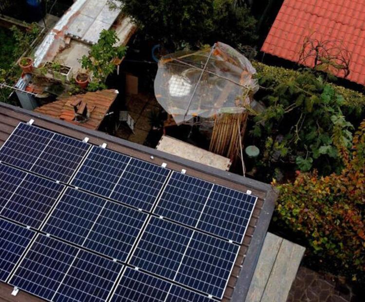 Impianto-fotovoltaico-su-lamiera-grecata